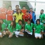 Sport Team Jeyma con miembros de un equipo femenino en el I Torneo Solidario de fútbol 7 a beneficio de Cáritas