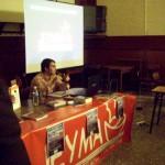 Víctor responde a las preguntas de los asistentes