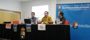 La mesa de la conferencia con representantes de las dos asociaciones